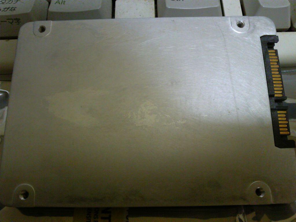 SSD本体裏面