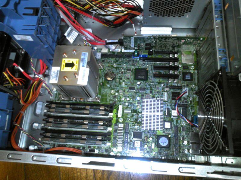 ML330 G6システムボード全体