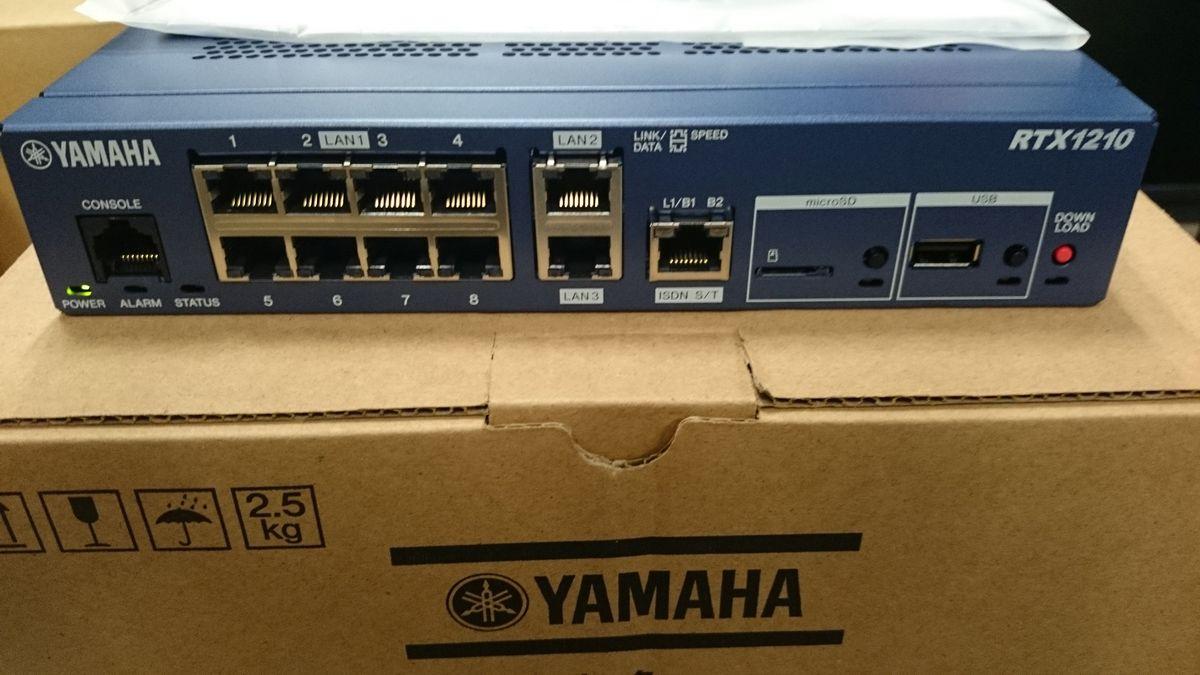 YAMAHA RTX1210正面と箱